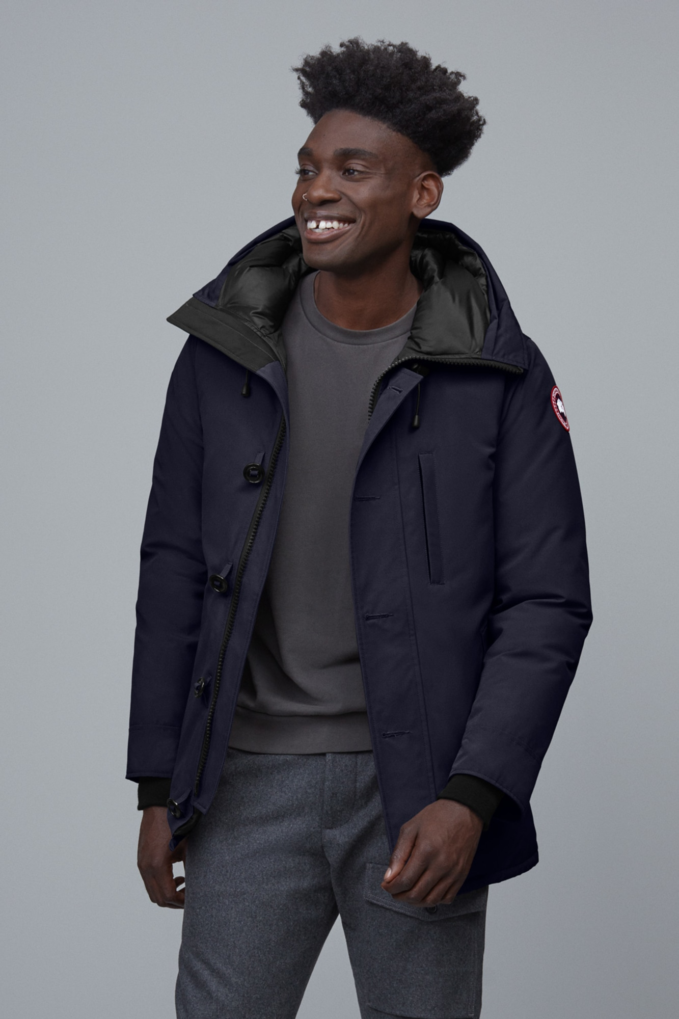 Men's Canada Goose Chateau Slim Fit Down Parka, Size Small Grey