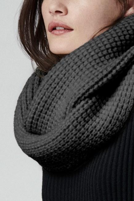 Écharpe boucle infinie en maille gaufrée