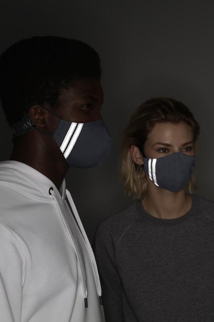 Black Disc Face Mask