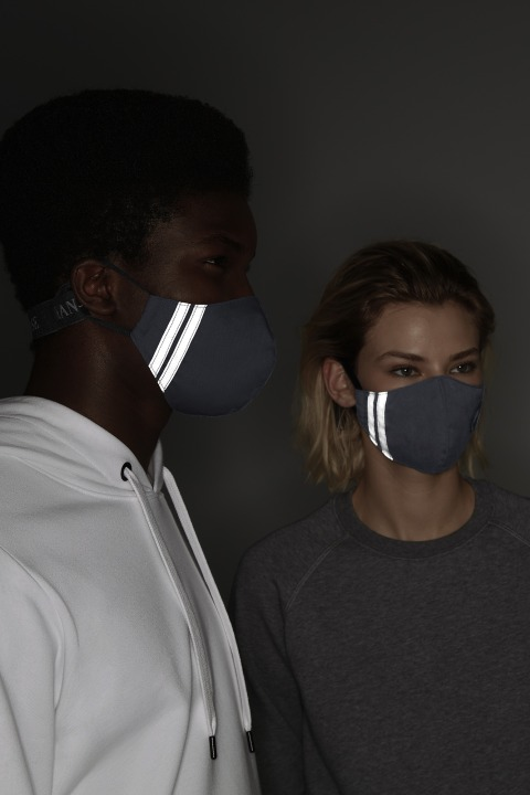 Black Disc Face Mask | Canada Goose
